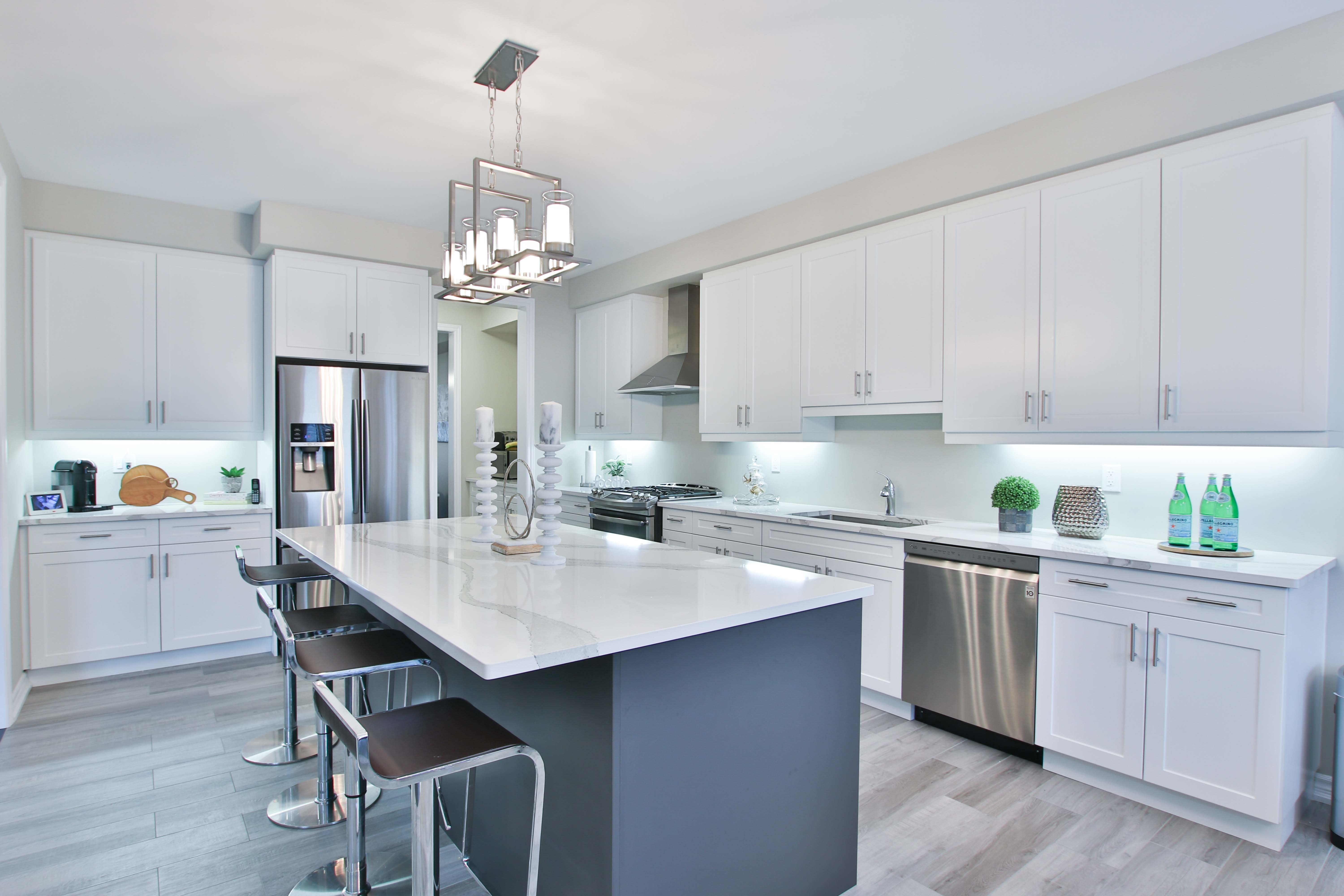 clean bathrooms and kitchen in montreal