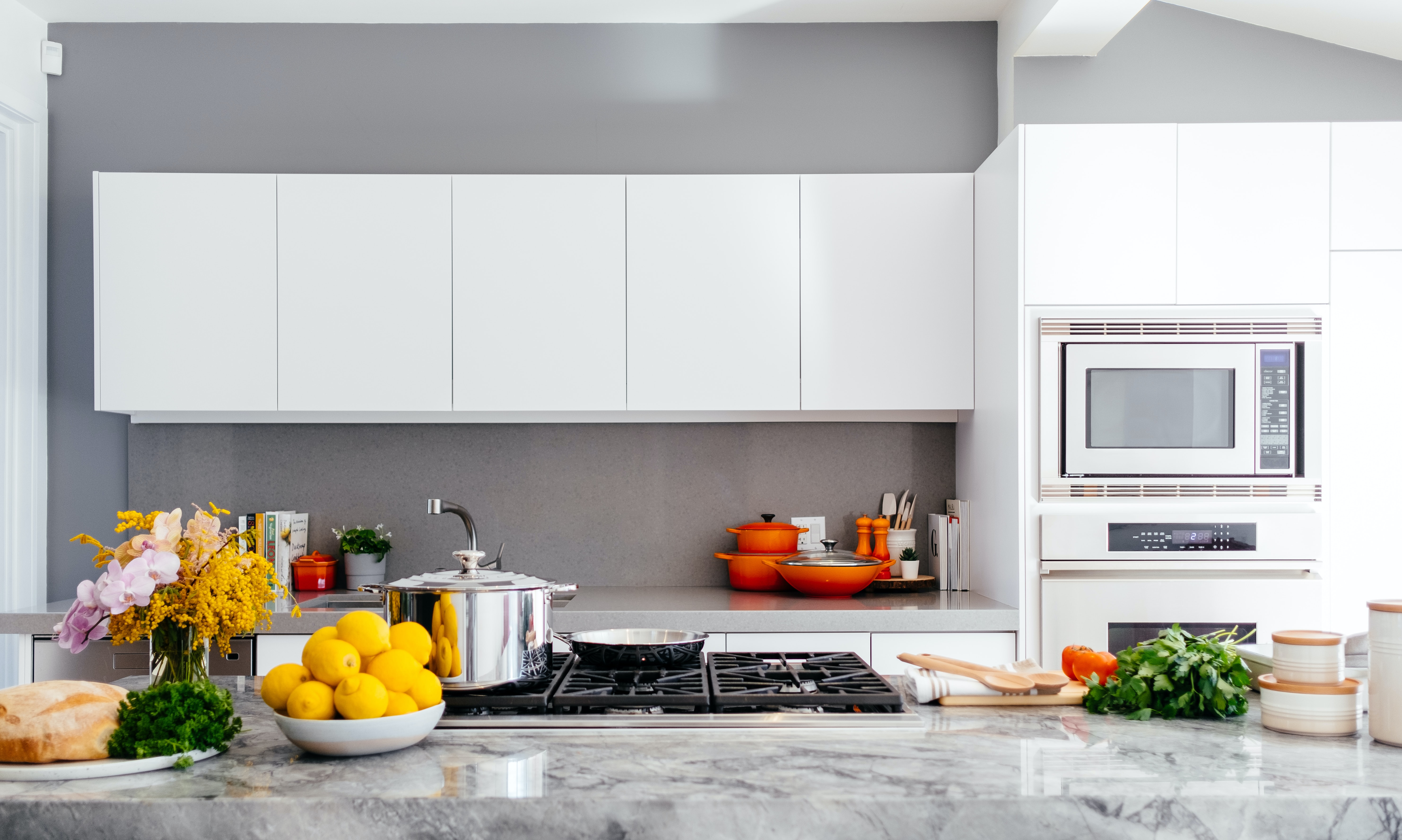 Deep Cleaning Services In Montreal Wet Island