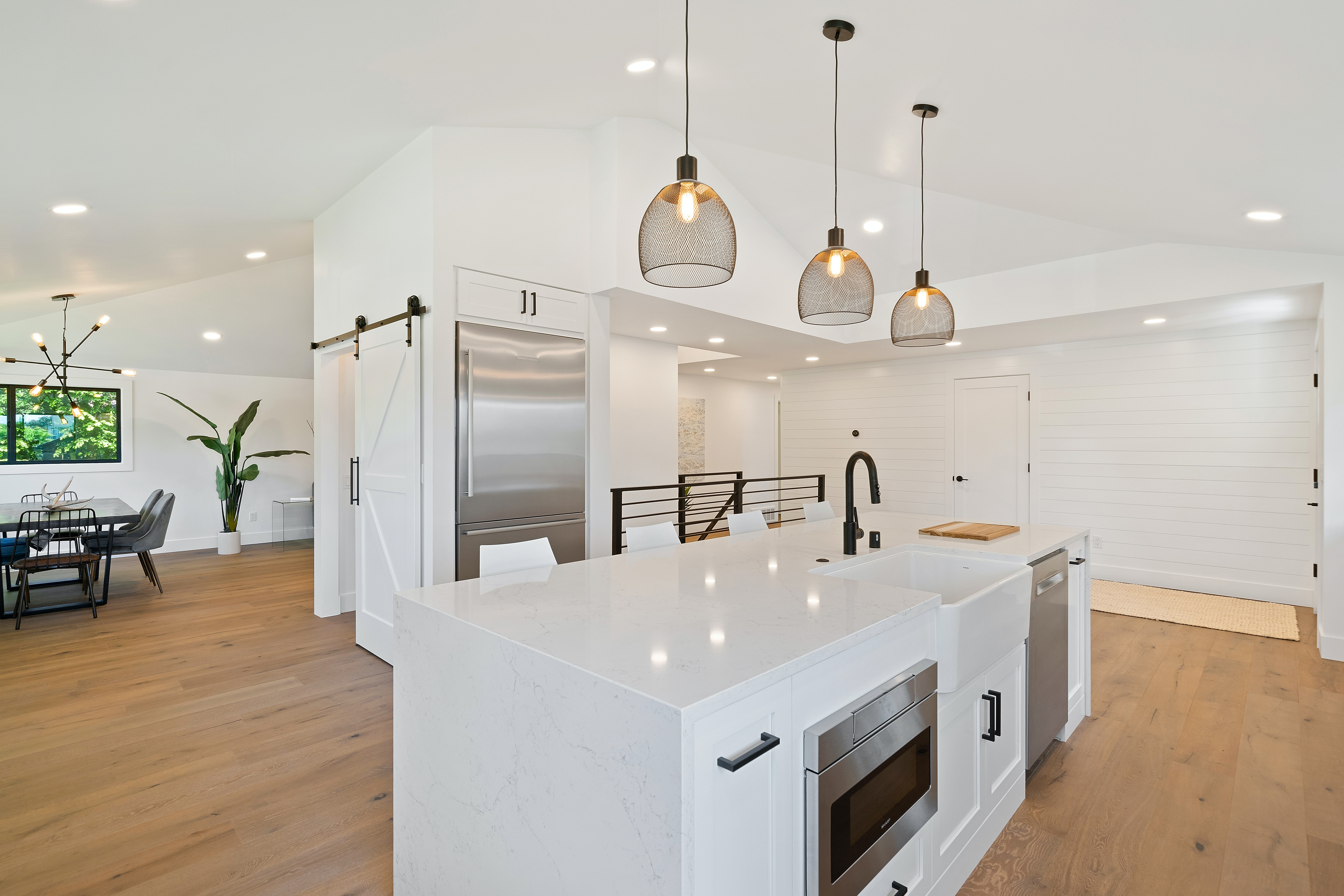 Standard Cleaning Services Near Montreal West Island